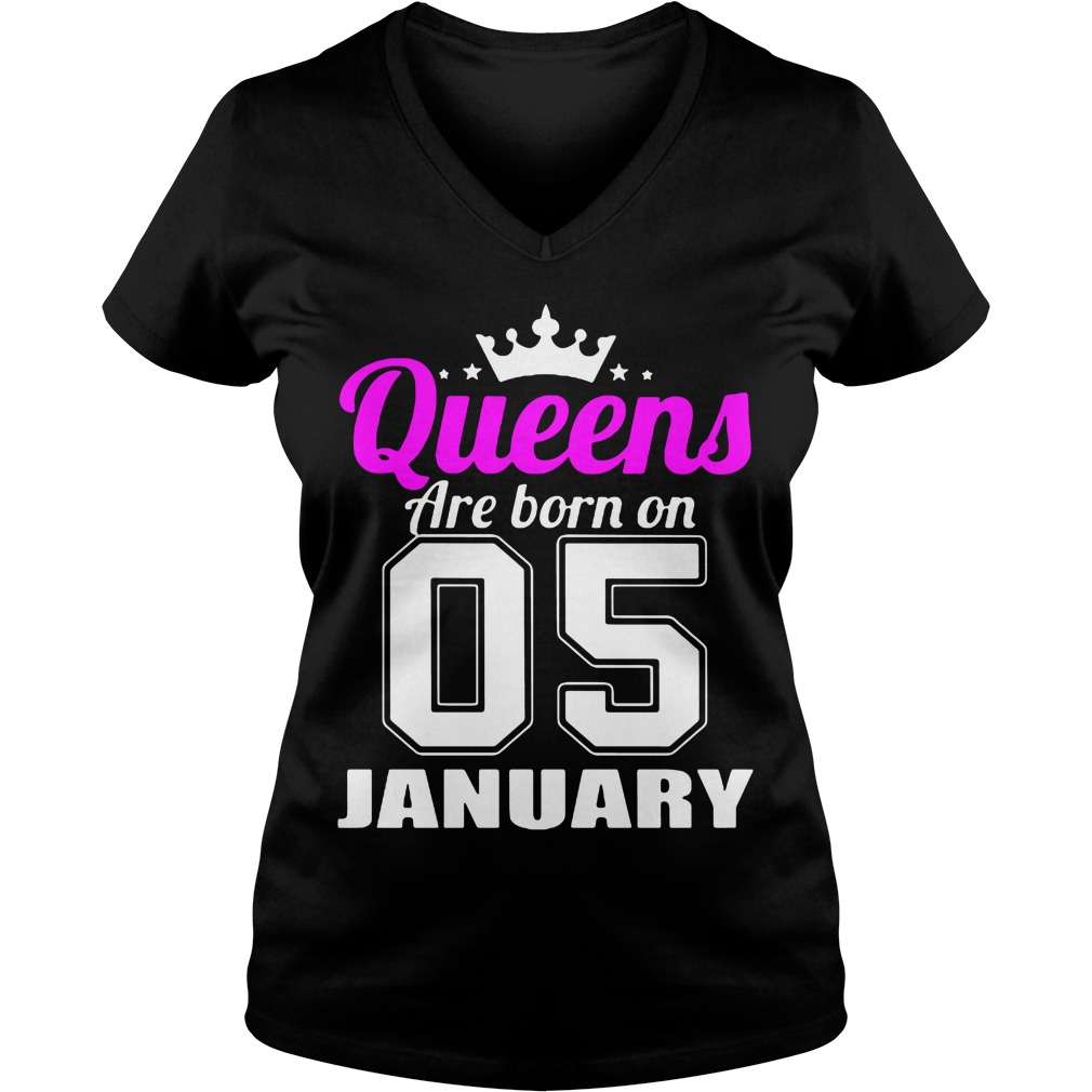 Queens Are Born 05 January V Neck T Shirt
