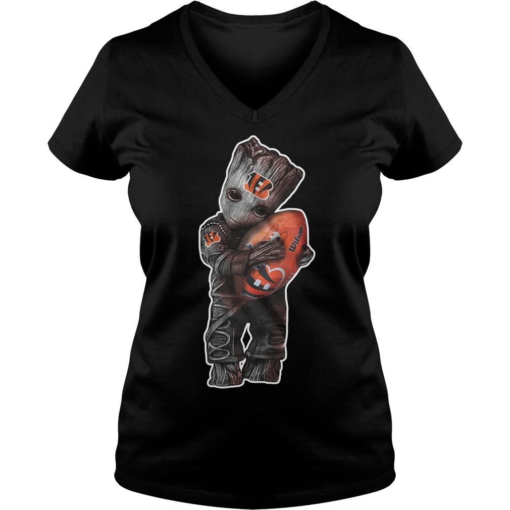 Baby groot hug Wilson V-neck T-shirt