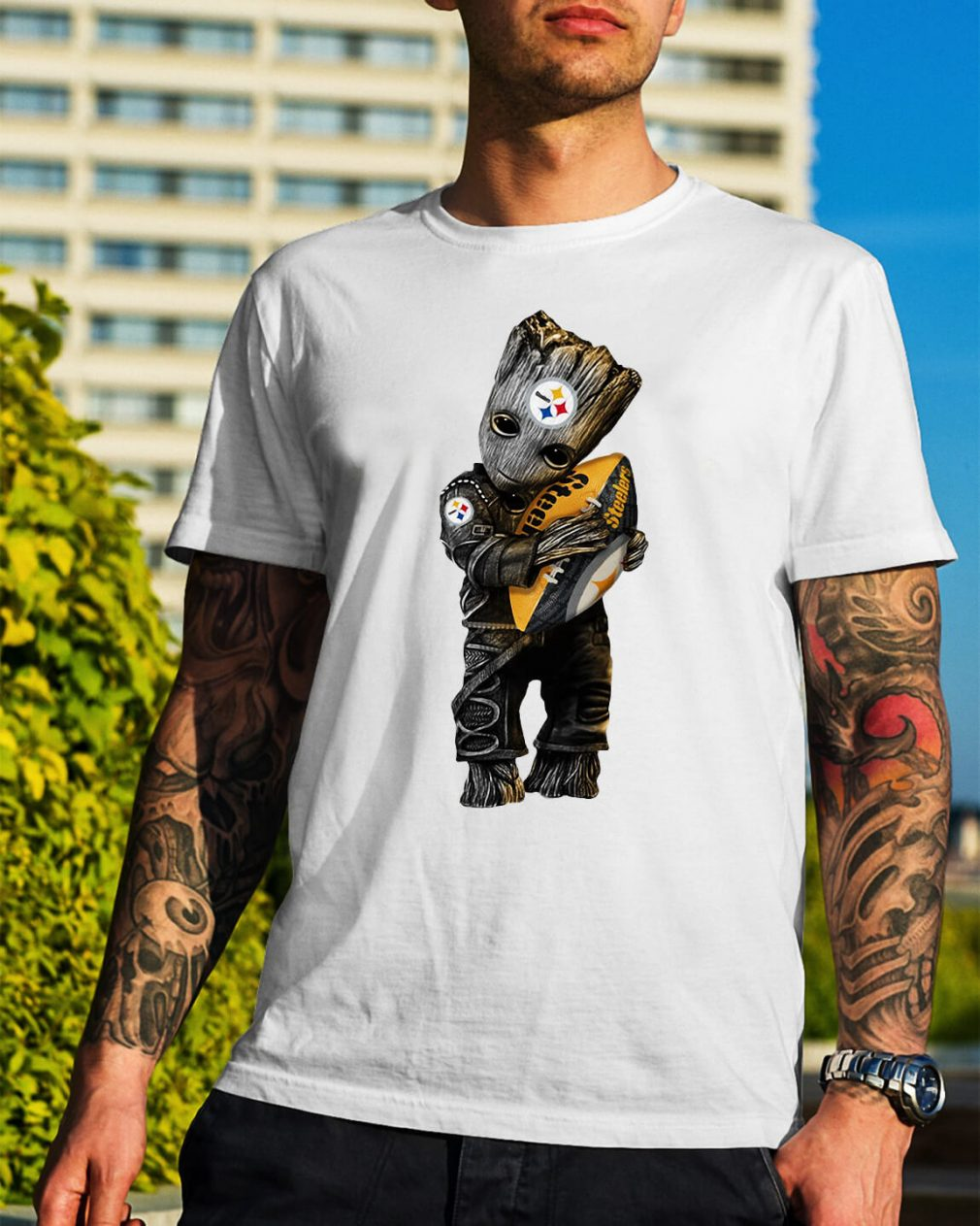 Groot hug Pittsburgh Steelers shirt