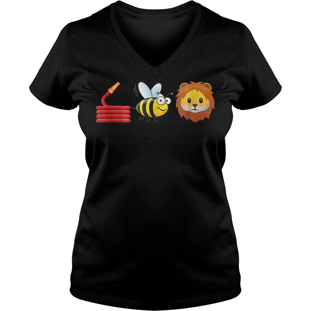 Hose bee and lions V-neck T-shirt