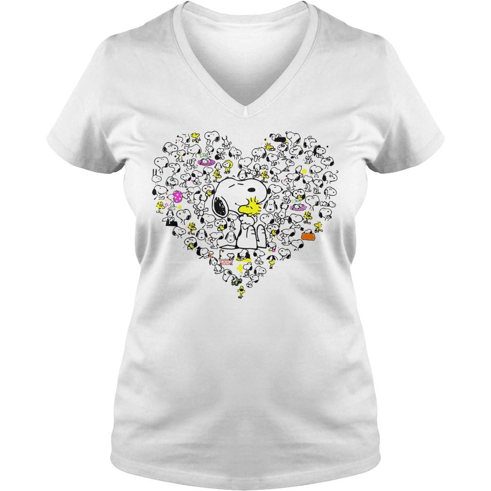 Snoopy hug Woodstock and hearts V-neck T-shirt