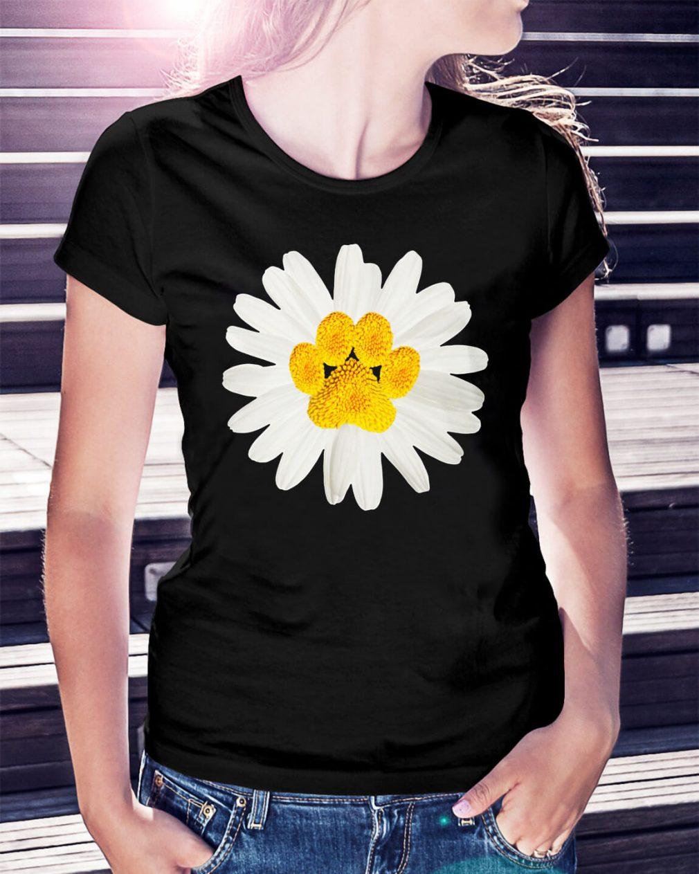 Dogpaw daisy shirt