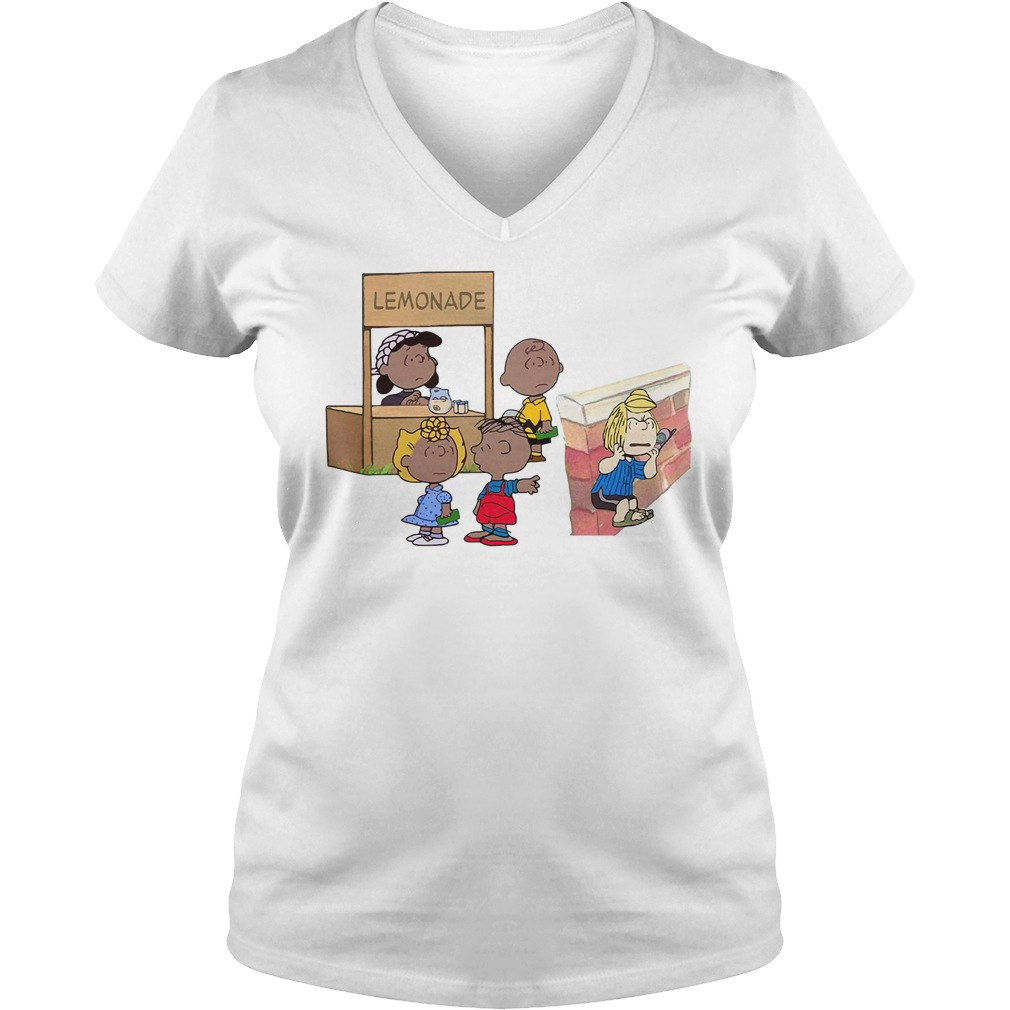 The peanuts lemonade snitch V-neck T-shirt