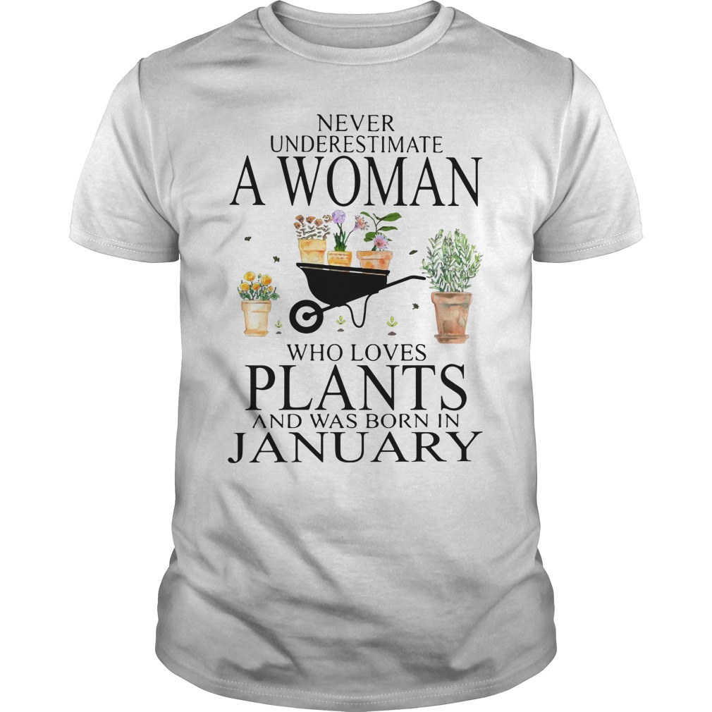 Never underestimate a woman who loves plants Guys Shirt