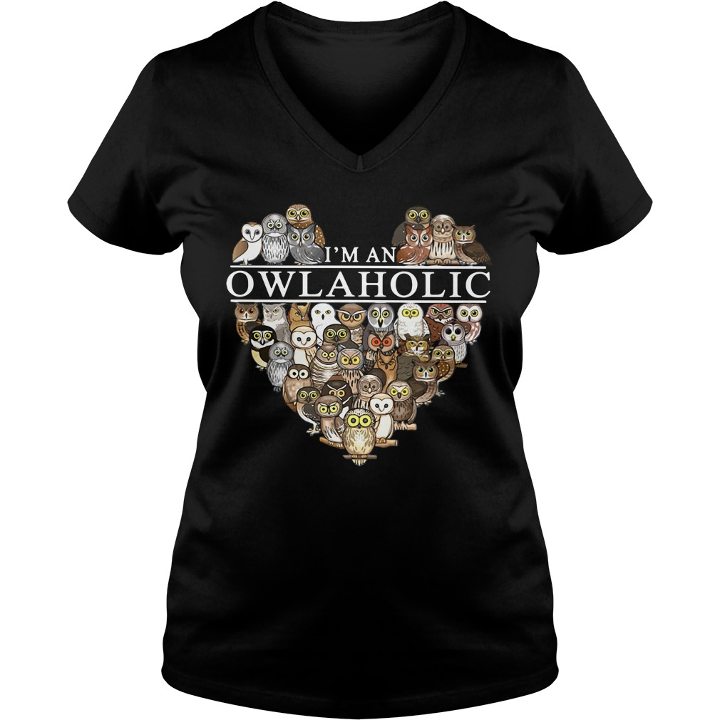 I'm an owl aholic V-neck T-shirt