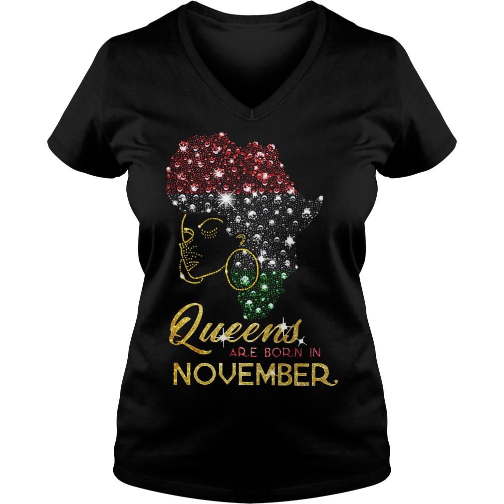 Queens are born in November V-neck T-shirt