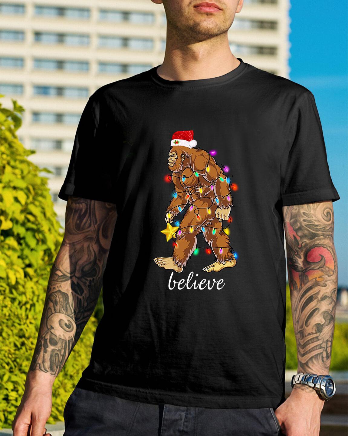 f21441e309 Bigfoot Santa believe Christmas Guys Shirt