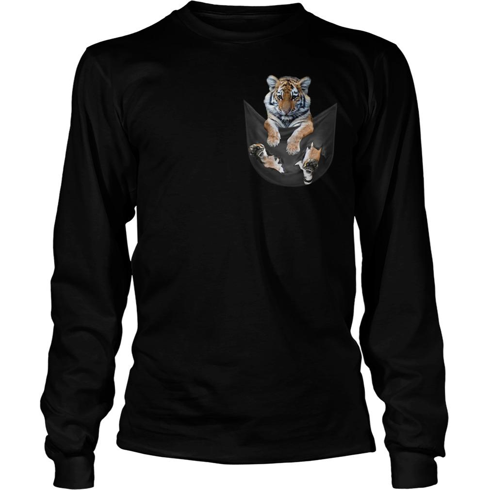 Tiger in a pocket Longsleeve Tee