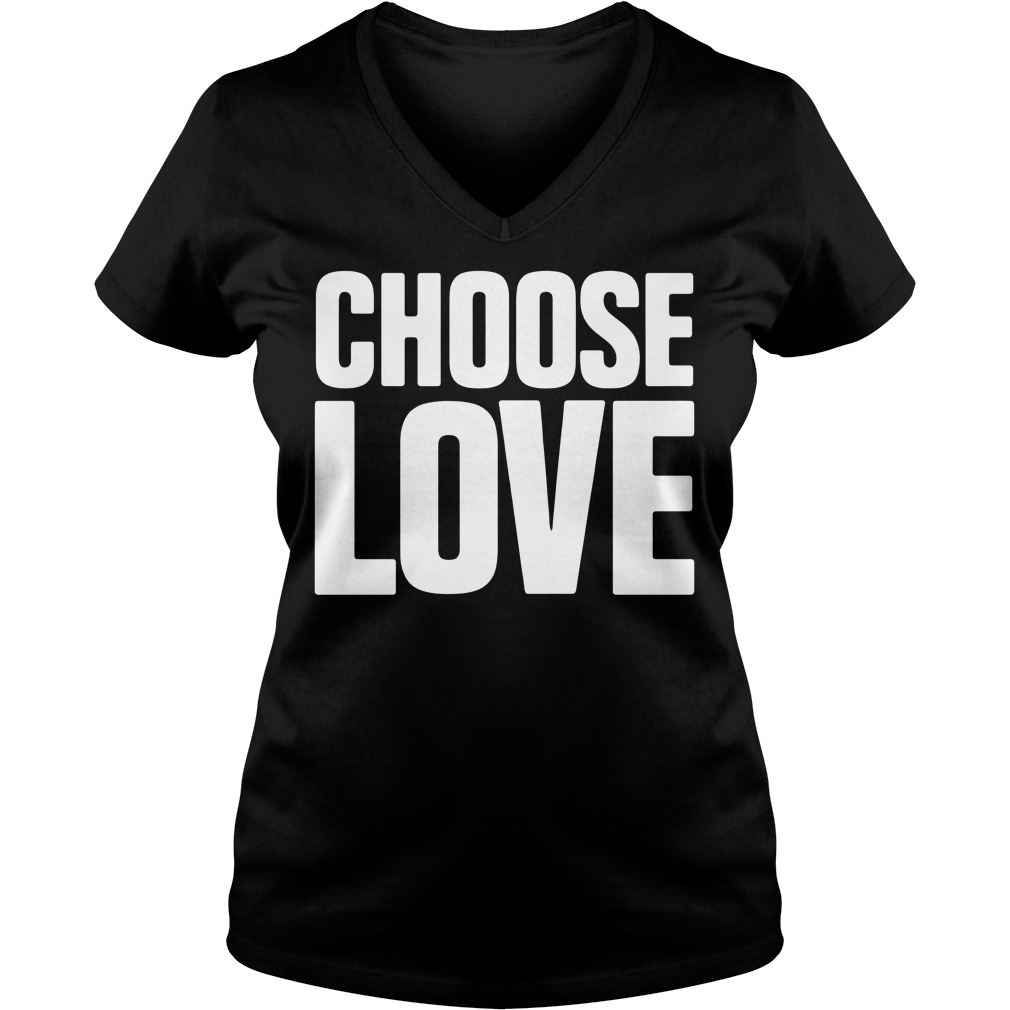 Choose love V-neck T-shirt