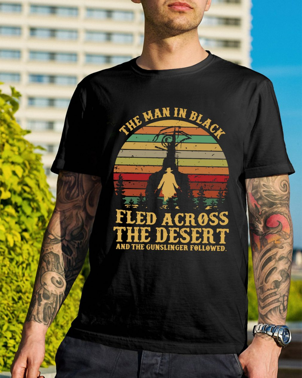 The man in black fled across the desert and the gunslinger shirt