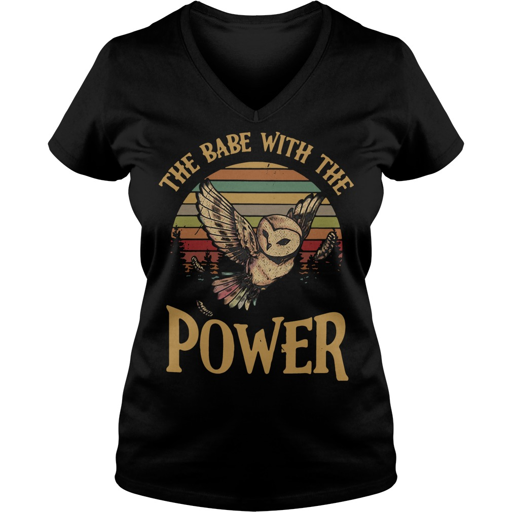 Owl the babe with the power sunset retro V-neck T-shirt