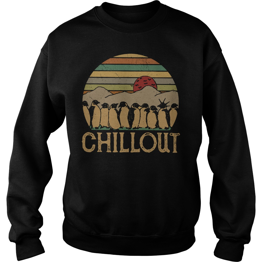 Penguin chillout sunset retro Sweater