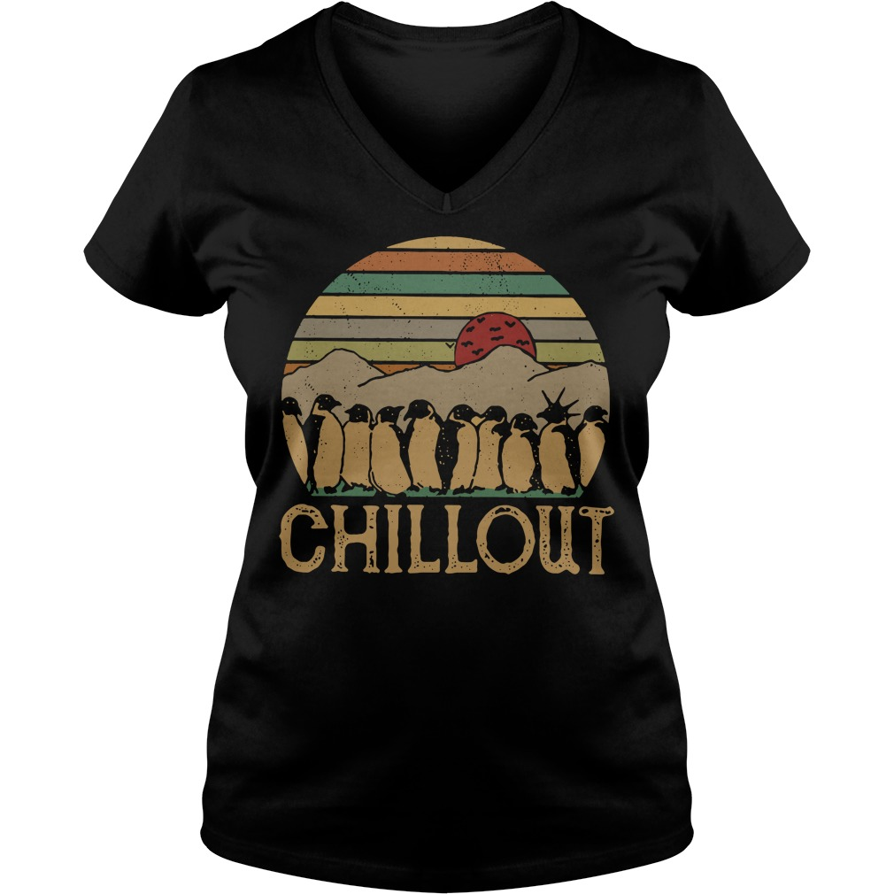 Penguin chillout sunset retro V-neck T-shirt