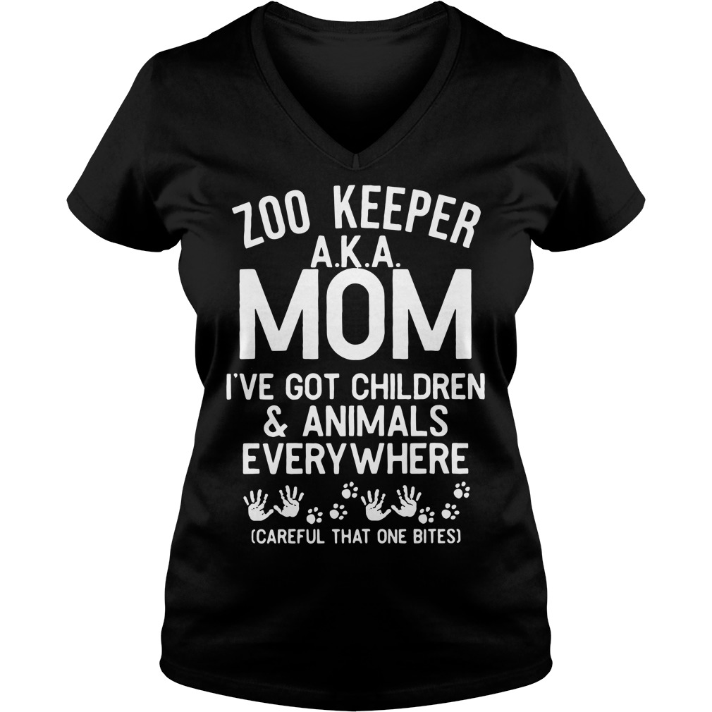 Zoo keeper AKA mom I've got children and animals V-neck T-shirt