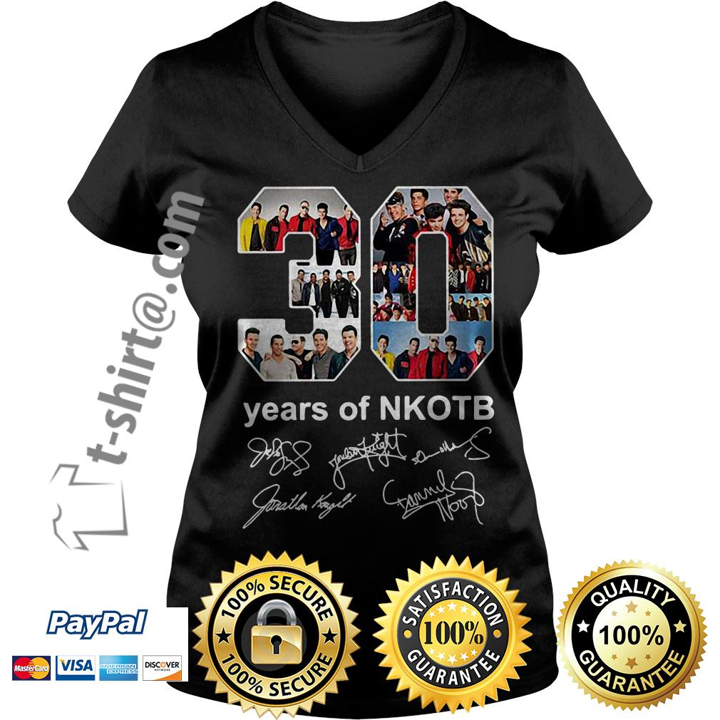 30 years of NKOTB signatures V-neck T-shirt