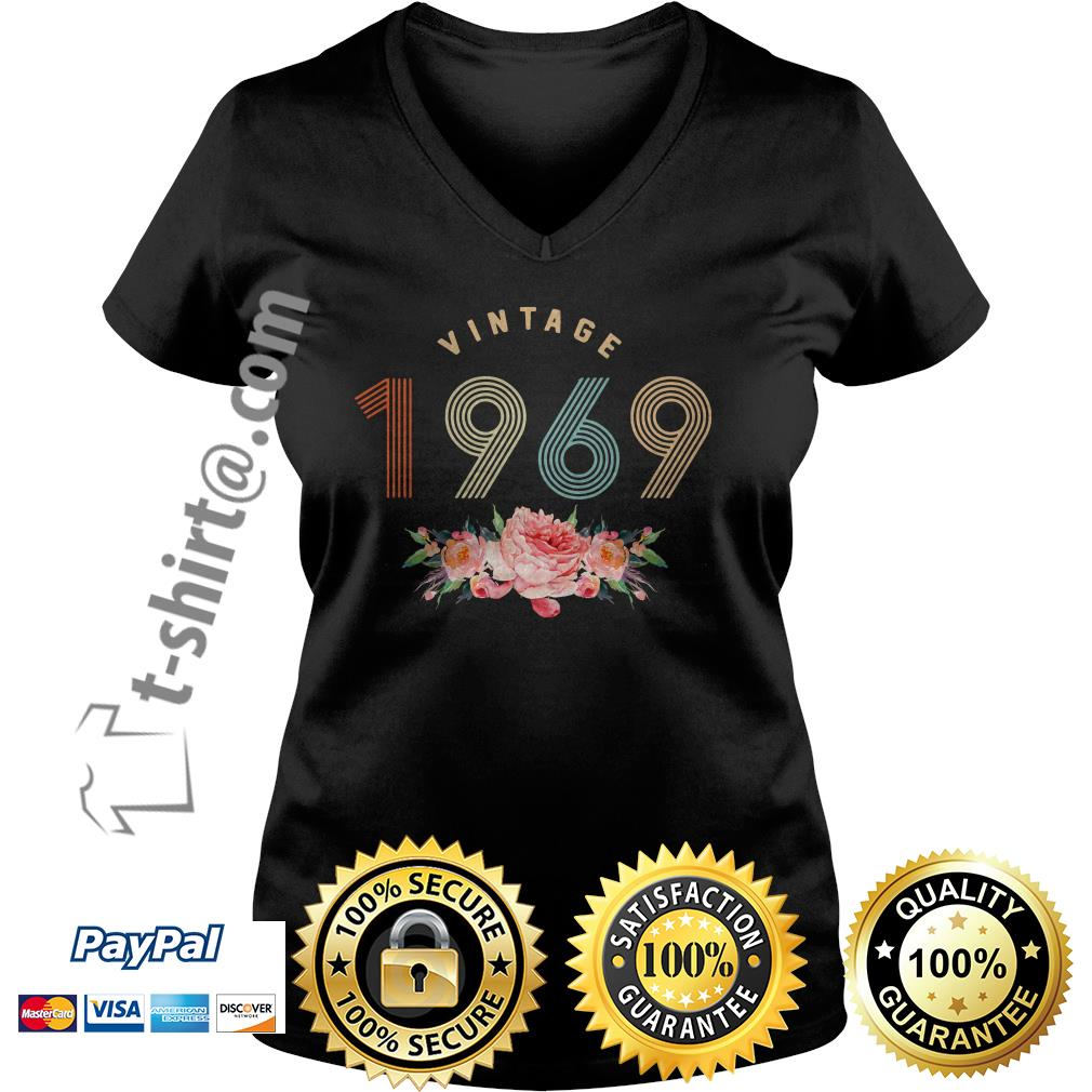 Flower retro vintage 1969 classic birthday 50 years old V-neck T-shirt