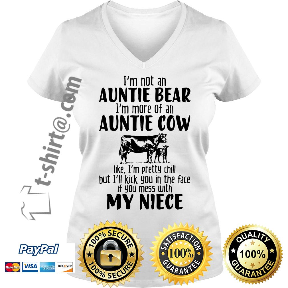 I'm not an auntie bear I'm more of an auntie V-neck T-shirt