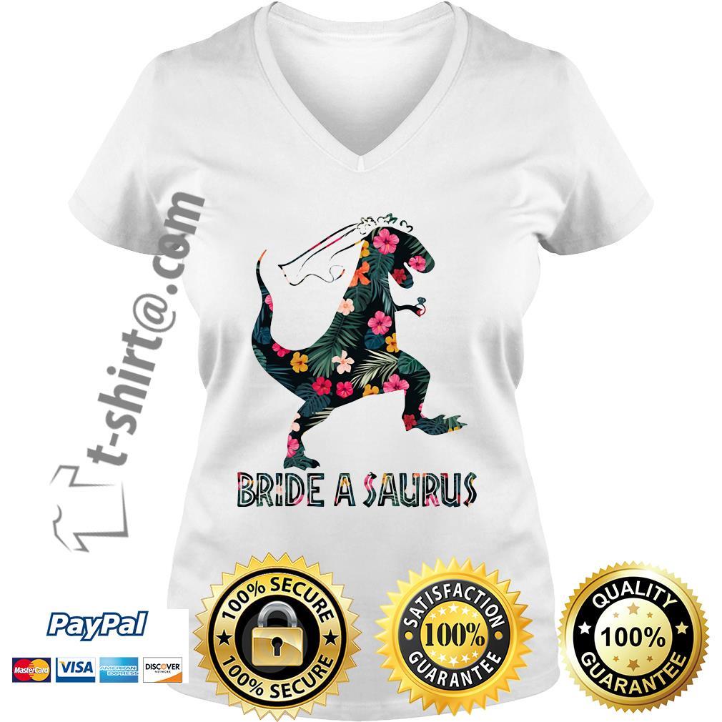 Bride a Saurus green flower V-neck T-shirt