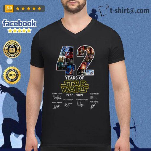 42 Years of Star Wars 1977-2019 signature V-neck t-shirt