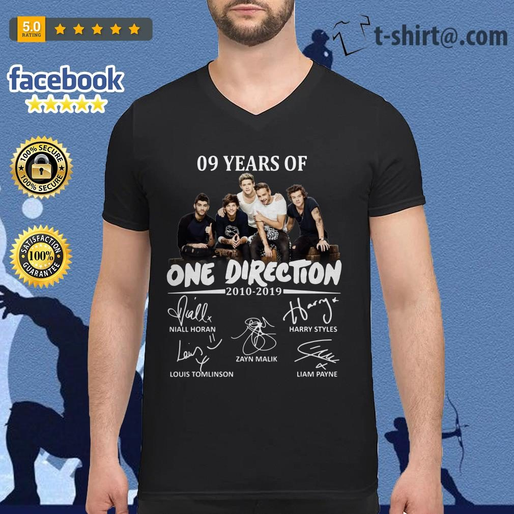 09 Years of One Direction 2010-2019 signatures V-neck T-shirt