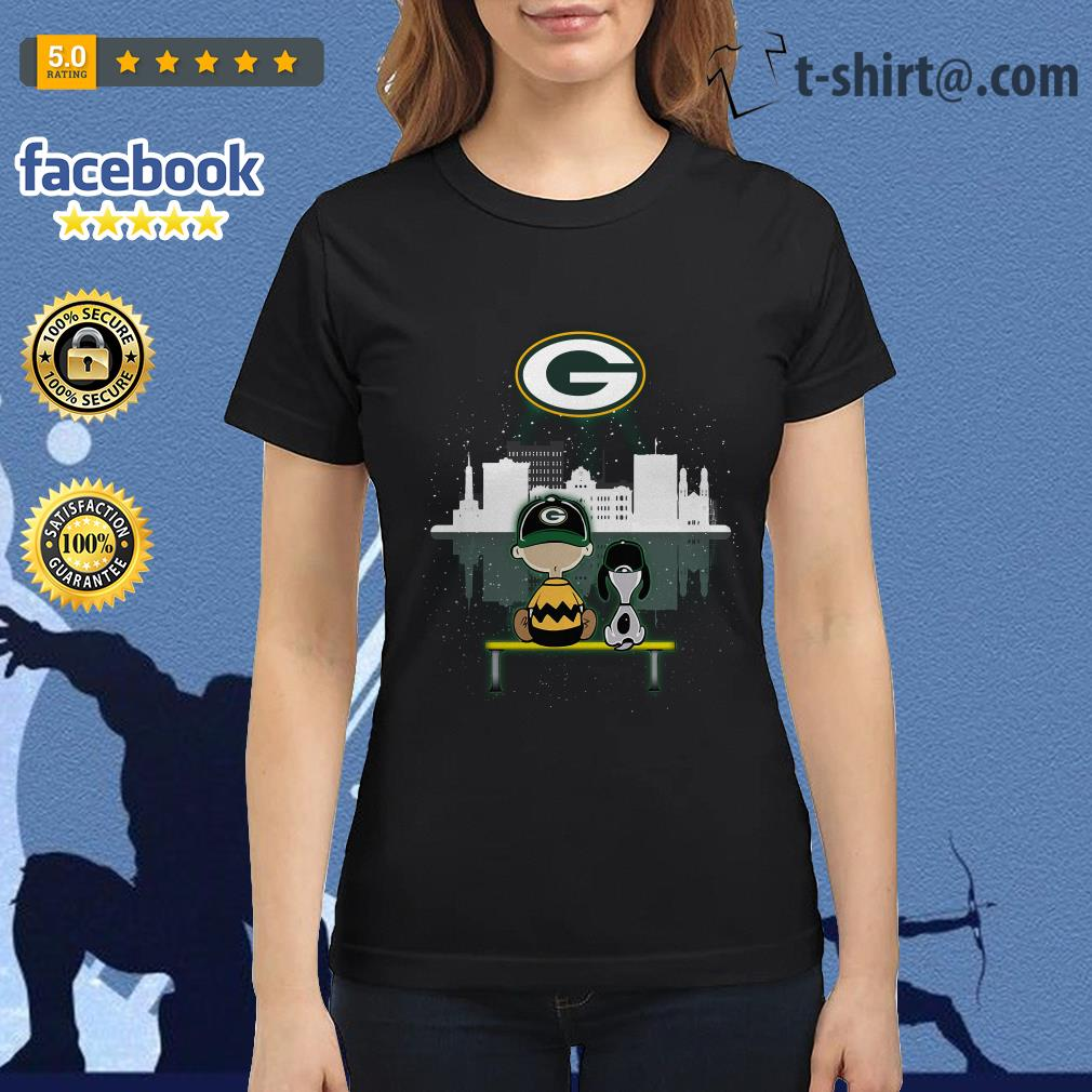 new style d8cb2 28c6d Charlie Brown and Snoopy dog watching Green Bay Packers shirt