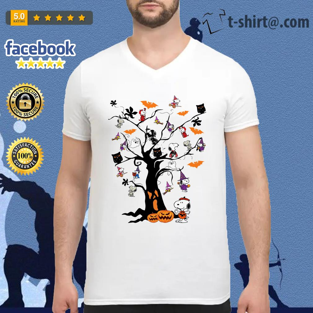 Halloween Snoopy pumpkin tree V-neck T-shirt