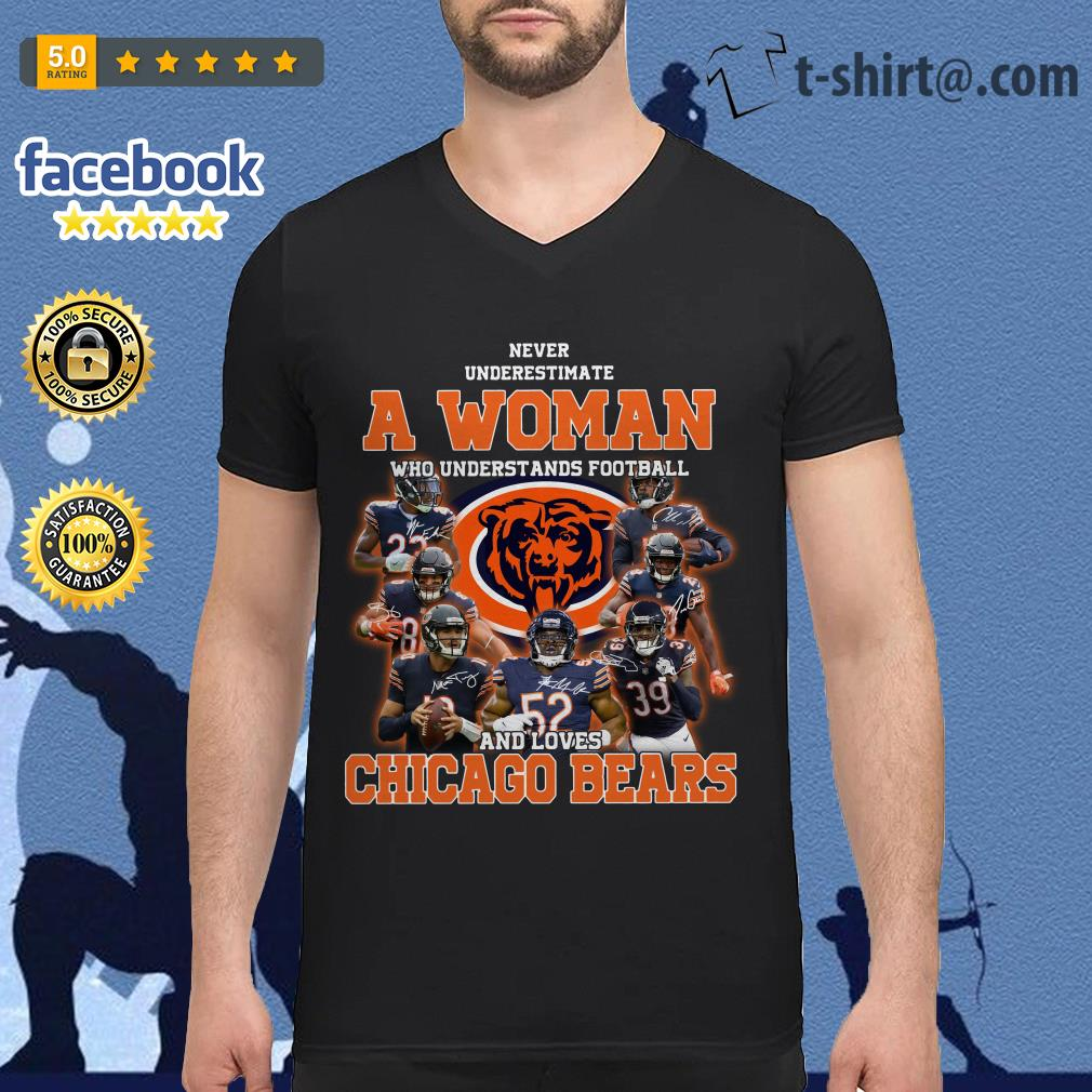 Never underestimate a woman who understands football and loves Chicago Bears V-neck T-shirt